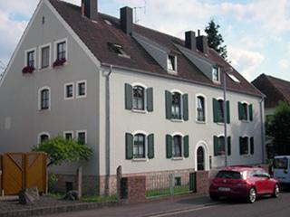 Stilvolle  3  ZKB – Erdgeschosswohnung in ruhiger Wohnlage
